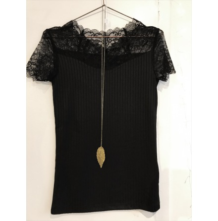 Yasblace short sleeve top Black