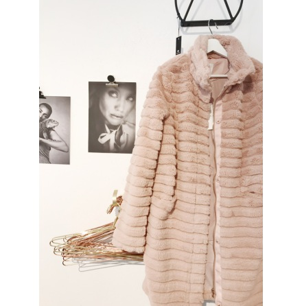 Vimeria faux fur coat Pink