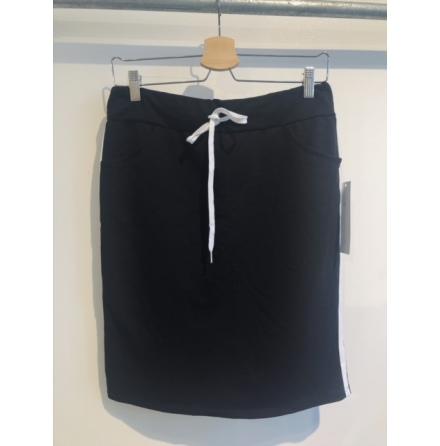Kjol svart med revär One size